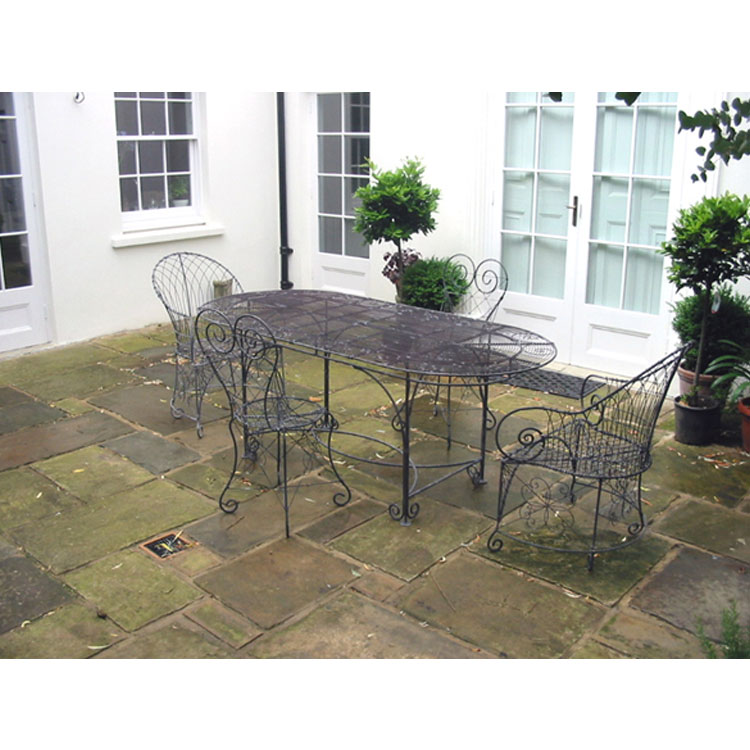 Oval Table and Chelsea Chair